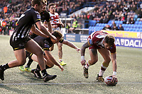 Picture by Paul Greenwood/SWpix.com - 27/04/2018 - Rugby League - Betfred Super League - Widnes Vikings v Wigan Warriors - Select Security Stadium, Widnes, England - Oliver Gildart of Wigan Warriors scores his sides first try