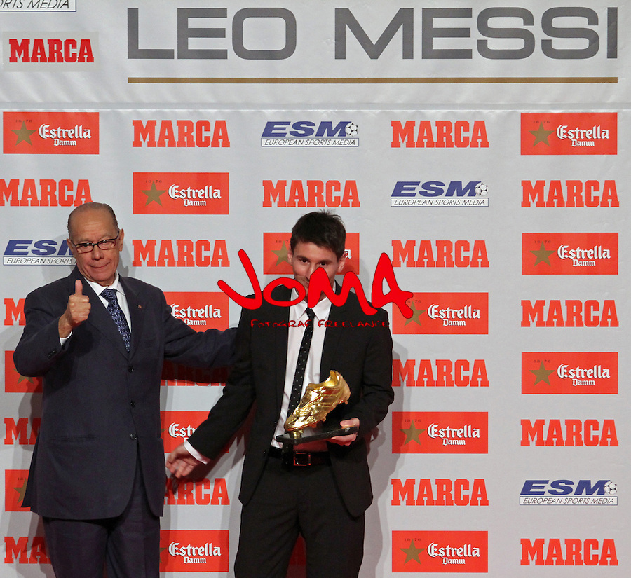 29.10.2012 Barcelona, Spain. Leo Messi receipt golden shoe award