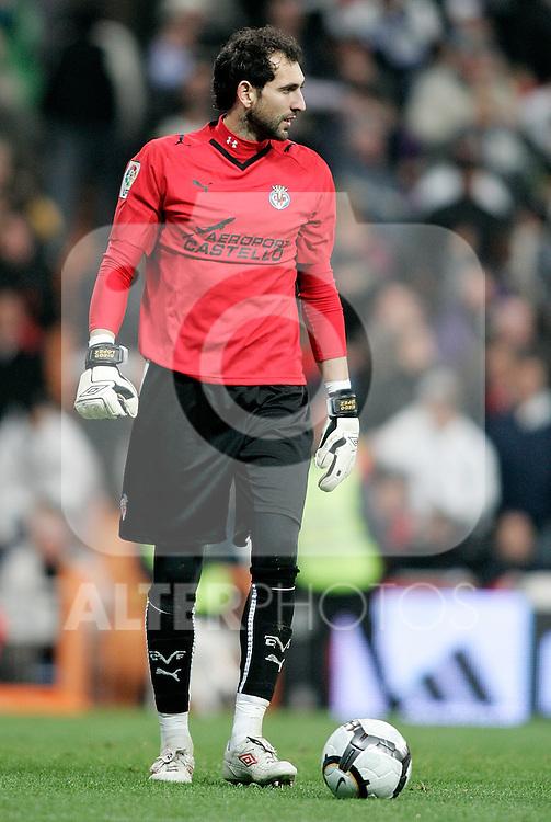 Villareal's Diego Lopez in pain during La Liga match. February 21, 2010. (ALTERPHOTOS/Alvaro Hernandez).