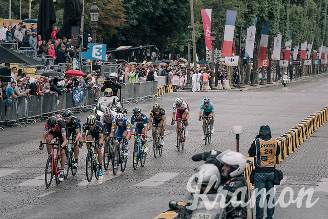 traditional breakaway attempt on the Champs-Elys&eacute;es<br /> <br /> 104th Tour de France 2017<br /> Stage 21 - Montgeron &rsaquo; Paris (105km)