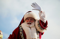 Santa Claus greets to the people during the 89th Macy's Thanksgiving Annual Day Parade in the Manhattan borough of New York.  11/26/2015. Eduardo MunozAlvarez/VIEWpress