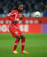 FUSSBALL   1. BUNDESLIGA   SAISON 2011/2012    15. SPIELTAG FC Schalke 04 - FC Augsburg            04.12.2011 Lorenzo DAVIDS (FC Augsburg) Einzelaktion am Ball