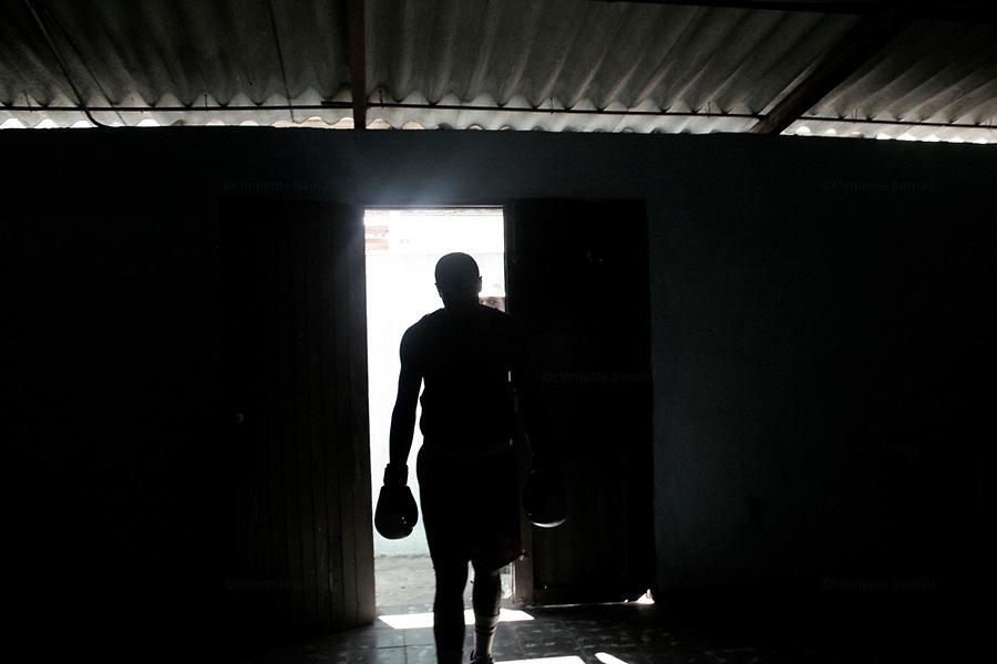 Havana (Cuba). September 2006..La Habana Vieja. Rafael Trejo Boxing Gym.