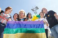 SAO PAULO, SP, 04.05.2014 - PARADA DO ORGULHO LGBT - Autoridads,   durante o Festival do  Orgulho LGBT na tarde deste Domingo, 4 na Avenida Paulista, regiao central da  cidade de São Paulo. (Foto: Andre Hanni /Brazil Photo Press).