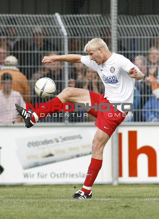 RLN 2007/2008 6. Spieltag Hinrunde<br /> BSV Kickers Emden - Wuppertaler SV Borussia 1:2<br /> <br /> Andre Wiwerink (Wuppertal#20)<br /> <br /> Foto &copy; nph (  nordphoto  )<br /> <br /> <br /> <br />  *** Local Caption ***