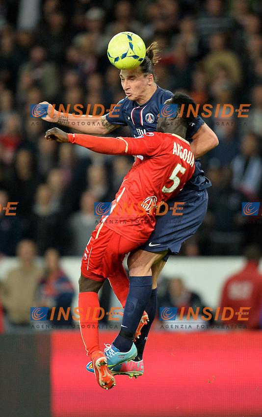 Zlatan Ibrahimovic (psg) - Benjamin Angoua (val) .Parigi 5/5/2012 .Football Calcio 2012/2013.Ligue 1 Francia .Paris Saint Germain PSG Vs Valenciennes .Foto Panoramic / Insidefoto .ITALY ONLY