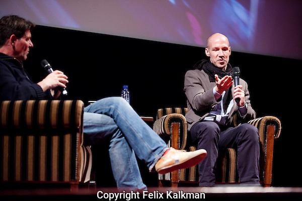Amsterdam, 25 april 2013.IDFA Screening Dirty Wars at Tuschinski: Director Rick Rowley being interviewed by Twan Huys..Foto Felix Kalkman