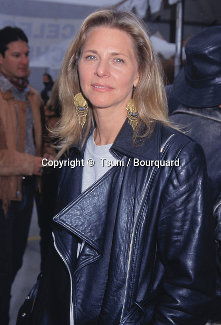 "Actress Lindsay Wagner probably best known for her role on the The Bionic Woman, attends a Harley Davidson ride. --- "" Tsuni / Bourquard ""Lindsay Wagner Lindsay Wagner"
