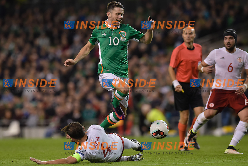 Robbie Brady of Republic of Ireland tackled by Guram Kashia of Georgia during the FIFA World Cup 2018 Qualifying Group D match between Republic of Ireland and Georgia at Aviva Stadium on October 6th 2016 in Dublin, Ireland. <br /> Dublino 06-10-2016 Calcio Qualificazioni mondiali <br /> Irlanda Georgia <br /> Foto PHCImages/Panoramic/Insidefoto <br /> ITALY ONLY