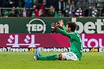 02.11.2019, wohninvest WESERSTADION, Bremen, GER, 1.FBL, Werder Bremen vs SC Freiburg<br /> <br /> DFL REGULATIONS PROHIBIT ANY USE OF PHOTOGRAPHS AS IMAGE SEQUENCES AND/OR QUASI-VIDEO.<br /> <br /> im Bild / picture shows<br /> Theodor Gebre Selassie (Werder Bremen #23) beschwert sich, <br /> <br /> Foto © nordphoto / Ewert