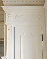 Detail of the elegant moulding that surrounds one of the dining room doors
