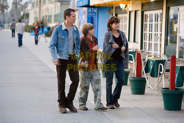 KEVIN BACON, MILES HEIZER & MARCIA GAY HARDEN .in Rails & Ties .*Filmstill - Editorial Use Only*.CAP/FB.Supplied by Capital Pictures.