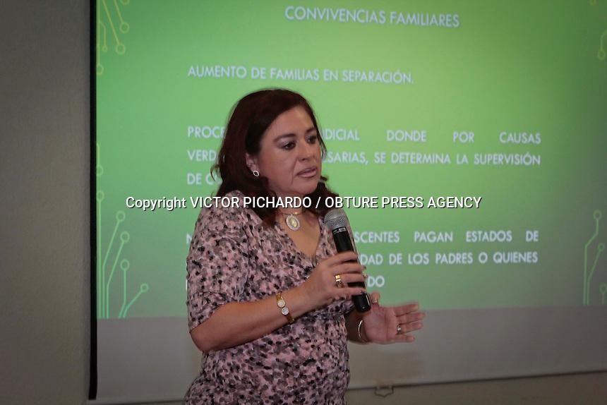 DESAYUNO COLEGIO ABOGADOS / CALIXTO DE SANTIAGO / MARICELA SANDOVAL LOPEZ<br /> Quer&eacute;taro, Qro. 07 abril 2016.- esta ma&ntilde;ana en las instalaciones del Hotel Mirage se llev&oacute; a cabo el desayuno mensual organizado por el Colegio de Abogados Litigantes, representado por Calixto de Santiago y en el que se cont&oacute; con  la presencia de la Magistrada Maricela Sandoval L&oacute;pez, Juez de enlace por el Estado de Quer&eacute;taro desde el a&ntilde;o de 2010 en que se fund&oacute; la Red  Mexicana de Cooperaci&oacute;n Judicial para la Protecci&oacute;n de la Ni&ntilde;ez; para el conocimiento de asuntos de Restituci&oacute;n Internacional de menores, Adopci&oacute;n Internacional y Juicios de Alimentos Internacional. <br /> VICTOR PICHARDO / OBTURE PRESS AGENCY