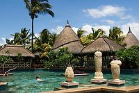 MUS, Mauritius, Black River, Flic en Flac: La Pirogue Hotel - Pool | MUS, Mauritius, Black River, Flic en Flac: La Pirogue Hotel - Pool