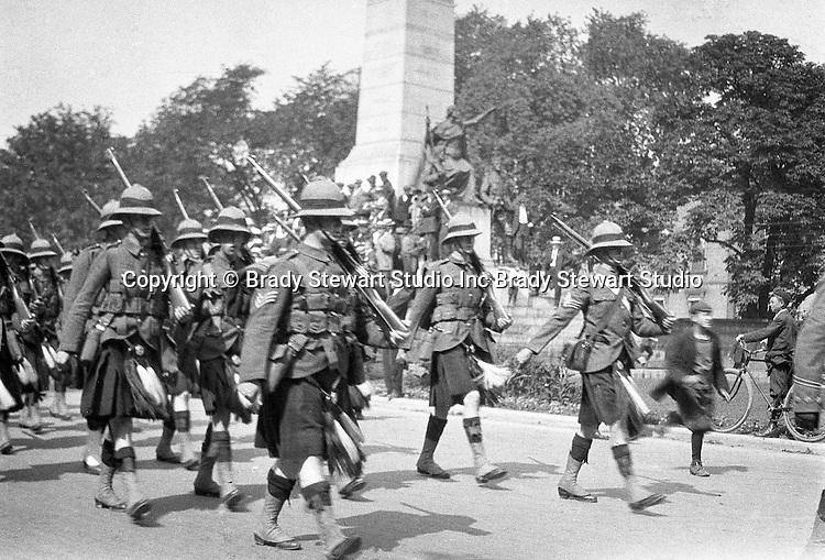 Niagara Falls Ontario:  The parade celebrating the 100th Anniversay of the Battle of Lundy's Lane.  The 44th Regiment marching in the parade - 1914
