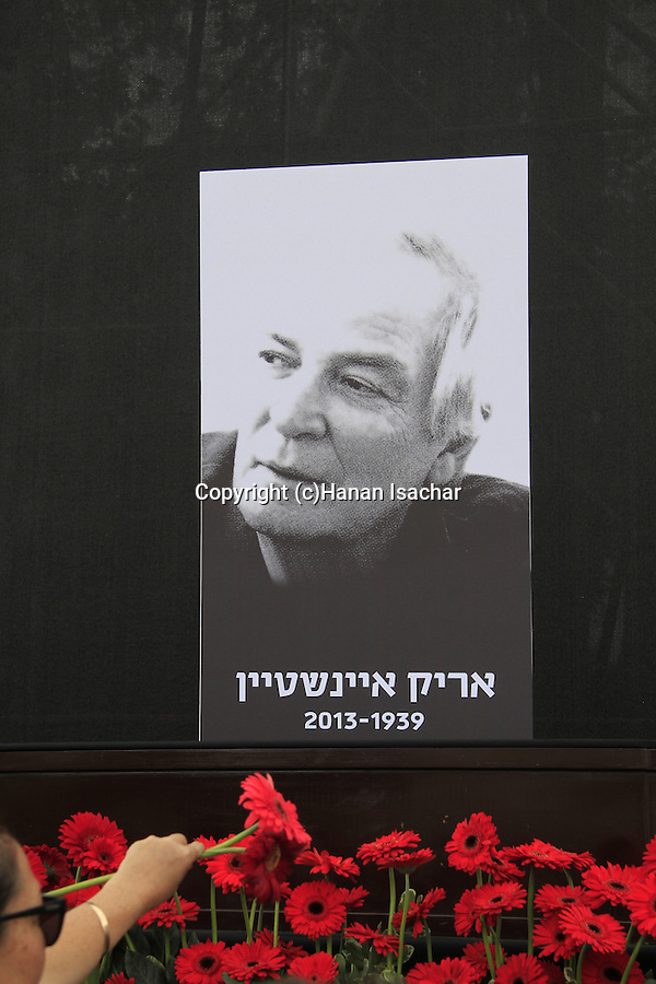 Tel Aviv-Yafo, Israelis gather at Rabin Square to pay last respect to singer and culture icon Arik Einstein
