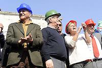 Roma, 3 Marzo 2012.Manifestazione dei lavoratori del settore edile e delle costruzioni contro la crisi economica e le morti sul lavoro..Cgil Cisl Uil.I segretari nazionali Angeletti , Bonanni e Camusso