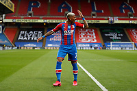 7th July 2020; Selhurst Park, London, England; English Premier League Football, Crystal Palace versus Chelsea; Patrick van Aanholt of Crystal Palace shouting back at his team mates for not closely marking Mason Mount of Chelsea