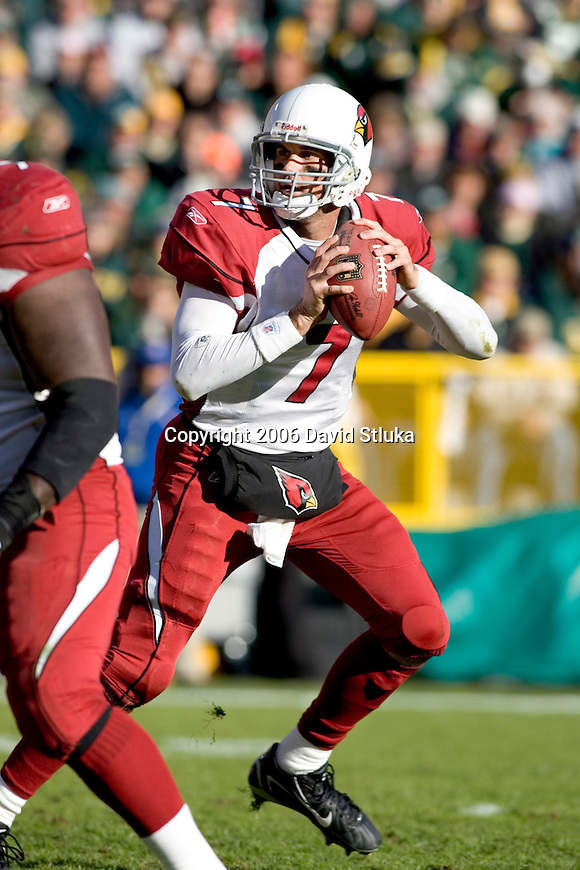 Quarterback Matt Leinart #7 of the Arizona Cardinals drops back to pass during an NFL football game against the Green Bay Packers at Lambeau Field on October 29, 2006 in Green Bay, Wisconsin. The Packers beat the Cardinals 31-14. (Photo by David Stluka)