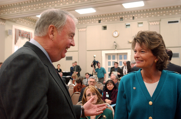 ENERGY5_010803 --  Gov. Frank Murkowski, R-Alaska and his daughter Lisa Murkowski, R-Alaska during a signing ceremony to renew the Federal Agreement and Right-of-Way for the Trans-Alaska Pipeline System at the Interior Department in Washington D.C.
