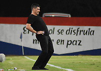 MONTERIA - COLOMBIA, 10-03-2020: Juan Cruz Real técnico de Jaguares gesticula durante el partido por la fecha 8 de la Liga BetPlay DIMAYOR I 2020 entre Jaguares de Córdoba F.C. y Cúcuta Deportivo jugado en el estadio Jaraguay de la ciudad de Montería. / Juan Cruz Real Suarez coach of Jaguares gestures during match for the date 8 as part BetPlay DIMAYOR League I 2020between Jaguares de Cordoba F.C. and Cucuta Deportivo played at Jaraguay stadium in Monteria city. Photo: VizzorImage / Andres Felipe Lopez / Cont