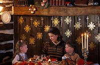 Amérique/Amérique du Nord/Canada/Quebec/Charlevoix : Soirée de Noël - Le repas [Autorisation : 205-206-207]