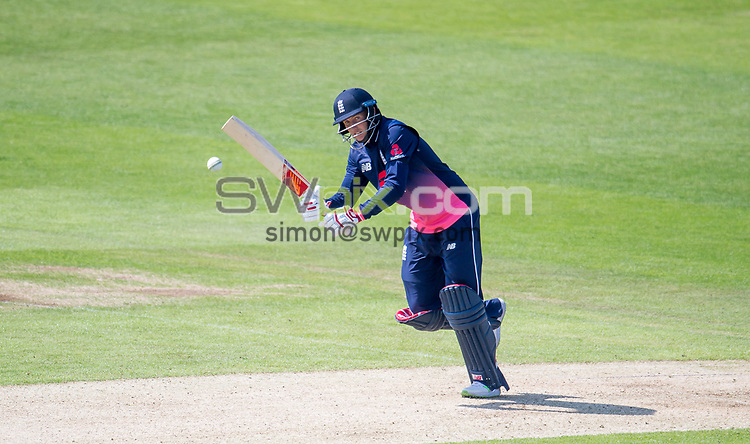 Picture by Allan McKenzie/SWpix.com - 24/05/2017 - Cricket - Royal London One-Day International - England v South Africa - Headingley Cricket Ground, Leeds, England - England's Joe Root hits out against South Africa.
