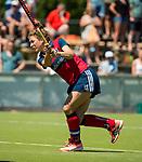 NIJMEGEN -  Eva den Hartog (Huizen)  tijdens  de tweede play-off wedstrijd dames, Nijmegen-Huizen (1-4), voor promotie naar de hoofdklasse.. Huizen promoveert naar de hoofdklasse.  COPYRIGHT KOEN SUYK