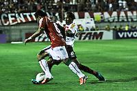 ATENÇÃO EDITOR: FOTO EMBARGADA PARA VEÍCULOS INTERNACIONAIS SÃO PAULO,SP,17 OUTUBRO 2012 - CAMPEONATO BRASILEIRO - PORTUGUESA x FLAMENGO - Liedson jogador  do Flamengo durante partida Portuguesa x Flamengo válido pela 31º rodada do Campeonato Brasileiro no Estádio Doutor Osvaldo Teixeira Duarte (Canindé), na região norte da capital paulista na noite desta quarta feira  (17).(FOTO: ALE VIANNA -BRAZIL PHOTO PRESS).