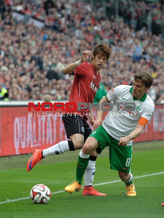 09.05.2015, HDI Arena, Hannover, GER, 1.FBL, Hannover 96 vs Werder Bremen, im Bild Hiroki Sakai (Hannover #4), Clemens Fritz (Bremen #8)<br /> <br /> Foto &copy; nordphoto / Frisch