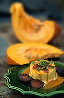 Europe/France/Midi-Pyrénées/12/Aveyron/Vallée de l'Aveyron/Env de Najac/La Fouillade : Flan de citrouille au caramel à la fleur d'oranger, sauce pain d'épice