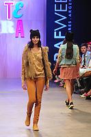 BUENOS AIRES, ARGENTINA, 01 MARÇO 2013 - BUENOS AIRES FASHION WEEK - Desfile da grife Como Queires Que Te Quiera no quarto dia de desfiles da Buenos Aires Fashion Week, no La Rural, em Buenos Aires, Argentina, neste sexta-feira, 01.  (FOTO: PATRICIO MURPHY / BRAZIL PHOTO PRESS).