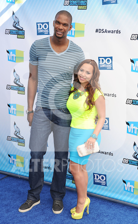 SANTA MONICA, CA - AUGUST 19: Chris Bosh and Adrienne Williams arrive at the 2012 Do Something Awards at Barker Hangar on August 19, 2012 in Santa Monica, California. /NortePhoto.com....**CREDITO*OBLIGATORIO** ..*No*Venta*A*Terceros*..*No*Sale*So*third*..*** No Se Permite Hacer Archivo**