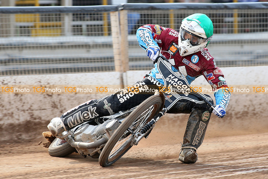 Lee Richardson rides for Lakeside Hammers - Ipswich Witches vs Lakeside Hammers - Sky Sports Elite League Speedway at Foxhall Stadium, Ipswich, Suffolk  - 10/04/09 - MANDATORY CREDIT: Gavin Ellis/TGSPHOTO - Self billing applies where appropriate - 0845 094 6026 - contact@tgsphoto.co.uk - NO UNPAID USE.