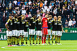 Solna 2015-07-12 Fotboll Allsvenskan AIK - GIF Sundsvall :  <br /> AIK:s spelare under en tyst minut inf&ouml;r matchen mellan AIK och GIF Sundsvall <br /> (Foto: Kenta J&ouml;nsson) Nyckelord:  AIK Gnaget Friends Arena Allsvenskan GIF Sundsvall Giffarna sorg sorgen