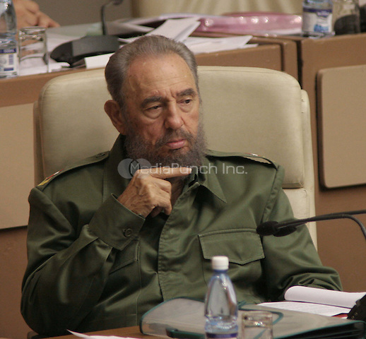 The Cuban president Fidel Castro speaks during the Cuban Parliament's session, in Havana, Cuba, June 10, 2006. . Credit: Jorge Rey/MediaPunch