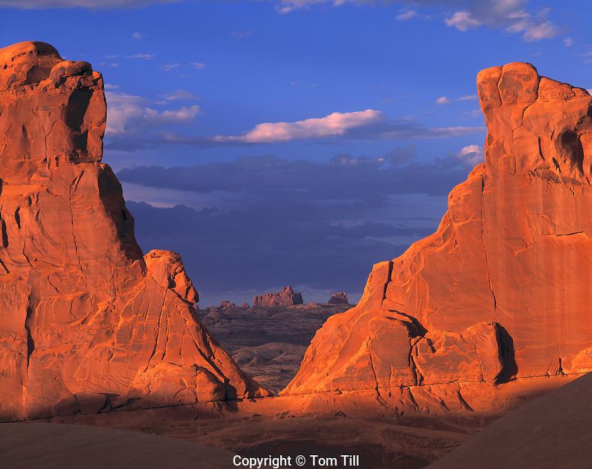 Walls of Park Avenue, Arches National Park, Utah Entraa sandstone monoliths