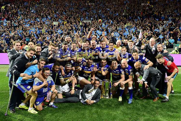 Picture by Alex Broadway/SWpix.com - 10/10/2015 - Rugby League - First Utility Super League Grand Final - Leeds Rhinos v Wigan Warriors - Old Trafford, Manchester, England - Leeds Rhinos celebrate victory.