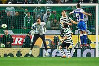 Lisboa (Portugal) - 07/01/2012. Liga Zon Sagres. Equipe do Porto. No Estádio José Alvalade, Sporting e FC Porto empataram sem gols, no primeiro clássico português de 2012, válido pela 14.ª jornada da Liga Zon Sagres. FOTO: Glaicon Emrich/NewsFree.