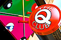 Signs Express : The Que Club