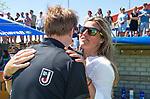 NIJMEGEN -  assistent-coach Kim Lammers (Huizen) met coach Boaz Janssen (Huizen) na   de tweede play-off wedstrijd dames, Nijmegen-Huizen (1-4), voor promotie naar de hoofdklasse.. Huizen promoveert naar de hoofdklasse.  COPYRIGHT KOEN SUYK