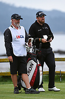 Shane Lowry (IRL) looks over his tee shot on 17 during round 4 of the 2019 US Open, Pebble Beach Golf Links, Monterrey, California, USA. 6/16/2019.<br /> Picture: Golffile | Ken Murray<br /> <br /> All photo usage must carry mandatory copyright credit (© Golffile | Ken Murray)