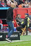 05.10.2019, BayArena, Leverkusen, GER, 1. FBL, Bayer 04 Leverkusen vs. RB Leipzig,<br />  <br /> DFL regulations prohibit any use of photographs as image sequences and/or quasi-video<br /> <br /> im Bild / picture shows: <br /> Peter Bosz Trainer / Headcoach (Bayer 04 Leverkusen),regt sich auf <br /> <br /> Foto © nordphoto / Meuter