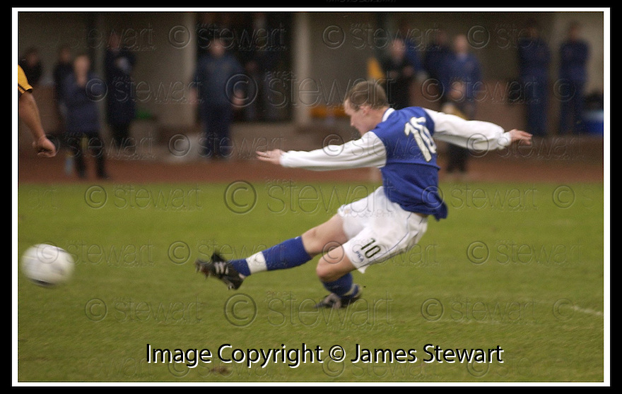 18/01/2003                   Copyright Pic : James Stewart.File Name : stewart-alloa v qots02.PETER WEATHERON SCORES QUEEN OF THE SOUTH'S SECOND GOAL.....James Stewart Photo Agency, 19 Carronlea Drive, Falkirk. FK2 8DN      Vat Reg No. 607 6932 25.Office     : +44 (0)1324 570906     .Mobile  : +44 (0)7721 416997.Fax         :  +44 (0)1324 570906.E-mail  :  jim@jspa.co.uk.If you require further information then contact Jim Stewart on any of the numbers above.........