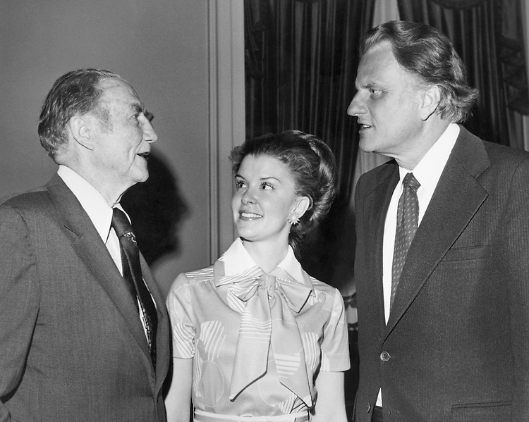 Sen. James Strom Thurmond, R-S.C., with his wife Nancy Janice Moore and party member. (Photo by CQ Roll Call)