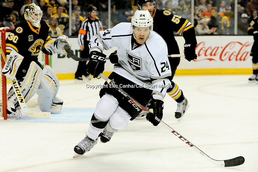 January 20, 2014 - Boston, Massachusetts, U.S. - Los Angeles Kings center Colin Fraser (24) watches the puck during the NHL game between Los Angeles Kings and the Boston Bruins held at TD Garden in Boston Massachusetts. The Bruins defeated the Kings 3-2 in regulation time.   Eric Canha/CSM