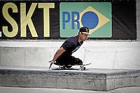 S&Atilde;O BERNARDO,SP,28 - 09 -13 -  3&ordm; ETAPA BRASIL SKATE PRO -O sktatista Italo Romano  durante a  3a etapa do BRASIL SKATE PRO, o Circuito Brasileiro de Street Skate Profissional 2013, acontece entre 27 e 29 de Setembro, no Parque da Juventude Citt&aacute; di Mar&oacute;stica, em S&atilde;o Bernardo do Campo (SP).<br /> Conhecida como a maior pista de Skate da Am&eacute;rica Latina, ser&aacute; a primeira vez que S&atilde;o Bernardo do Campo (SP) receber&aacute; uma etapa do Circuito Brasileiro de Skate Street Profissional, o maior campeonato de Skate Street do continente.(FOTO ALE VIANNA/BRAZIL PHOTO PRESS)