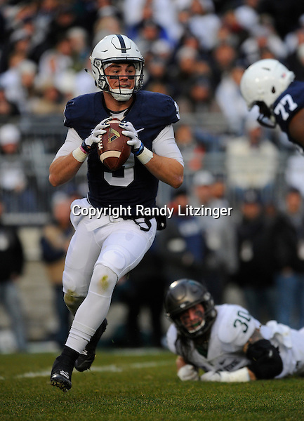 STATE COLLEGE, PA - NOVEMBER 26:  Penn State QB Trace McSorley (9) scrambles away from pressure to pass. The Penn State Nittany Lions defeated the Michigan State Spartans 45-12 to win the Big Ten East Division on November 26, 2016 at Beaver Stadium in State College, PA. (Photo by Randy Litzinger/Icon Sportswire)