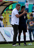 NEIVA - COLOMBIA -22-02-2017: Jorge Vivaldo, técnico de Atletico Huila, durante partido entre Atletico Huila y Atletico Bucaramanga, por la fecha 5 de la Liga Aguila, I 2017 en el estadio Guillermo Plazas Alcid de Neiva. / Jorge Vivaldo, coach of Atletico Huila, during a match for the date 5 of the Liga Aguila I 2017 at the Guillermo Plazas Alcid Stadium in Neiva city. Photo: VizzorImage  / Sergio Reyes / Cont.