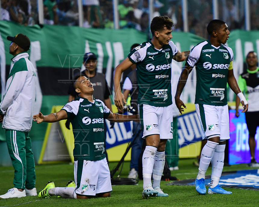 PALMIRA - COLOMBIA, 06-10-2019: Feiver Mercado del Cali celebra después de anotar el segundo gol de su equipo durante partido entre Deportivo Cali y América de Cali por la fecha 15 de la Liga Águila II 2019 jugado en el estadio Deportivo Cali de la ciudad de Palmira. / Feiver Mercado of Cali celebrates after scoring the second goal of his team during match between Deportivo Cali and America de Cali for the date 11 as part Aguila League II 2019 played at Deportivo Cali stadium in Palmira city. Photo: VizzorImage / Nelson Rios / Cont